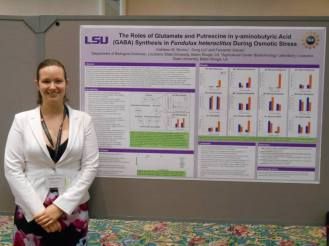 Presenting my research at the 2014 American Physiological Society meeting.